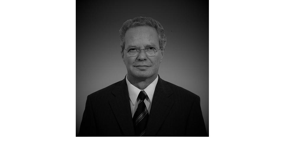 Dr. Matthias Scholz